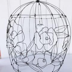 Gabbia Liberty in filo di ferro ricotto - Misure 28 x 36 e grande cuore in cristallo